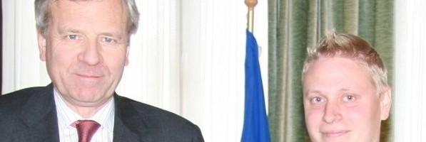 Rauhanturvatausta avasi ovet Naton päämajaan